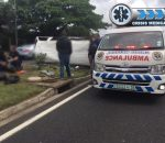 Fifteen injured in taxi roll over, M4 Broadway.