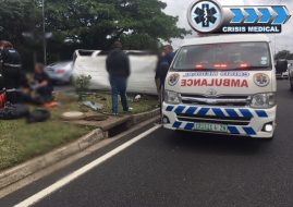 Vehicle smashes through accident scene,M4, Durban North
